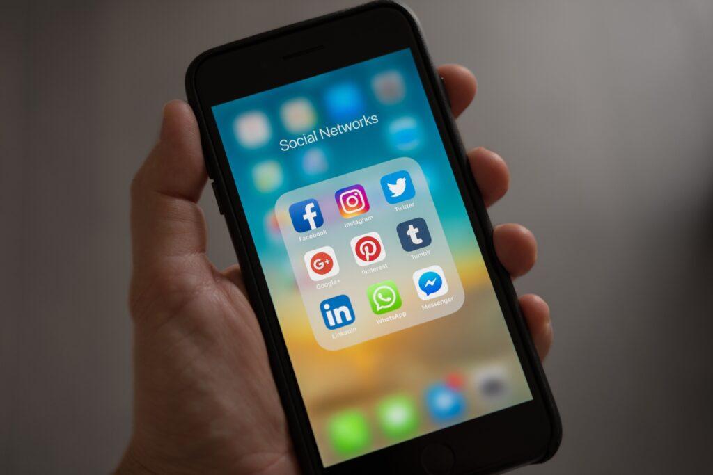Linkedin | SocialWise
